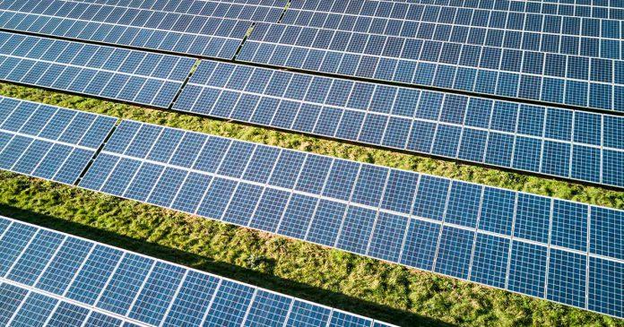 Pannelli solari in italia il primo impianto che li for Pannelli solari immagini